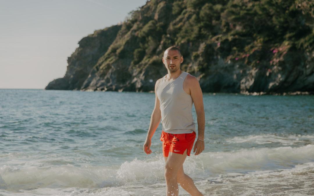 Camminare in acqua fa davvero bene alle gambe?